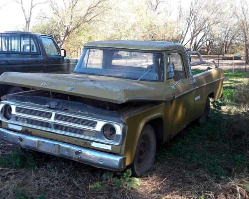Vendo Dodge D 100 Modelo 79