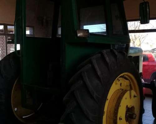 Tractor John Deere 2730