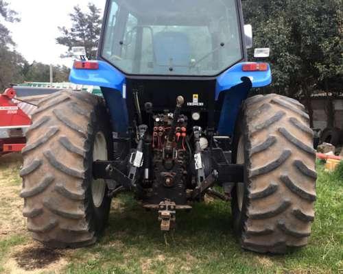 Vendo New Holland TM7040 Mod 2011