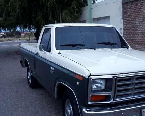 F100 Modelo 1983 V8