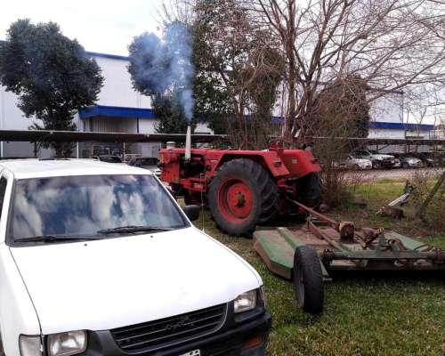 Vendo Tractor D86 con Cabina y Control Remoto