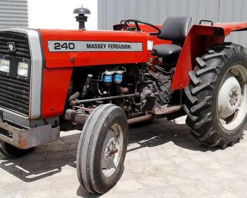 Massey Ferguson 240 - Levante de Tres Puntos para Trabajar