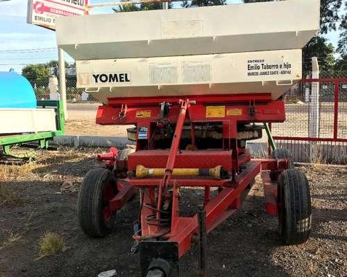 Fertilizadora Yomel 3022 con Balanza