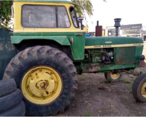 Tractor John Deere 3530, año 1984