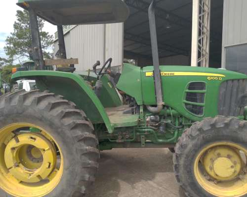 Tractor John Deere 6100d - 2.011