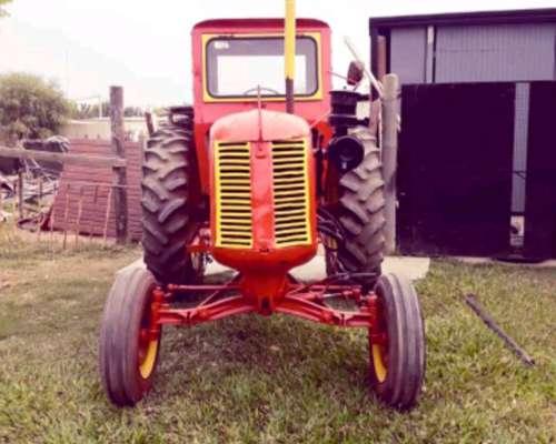Tractor Cocksutt . .