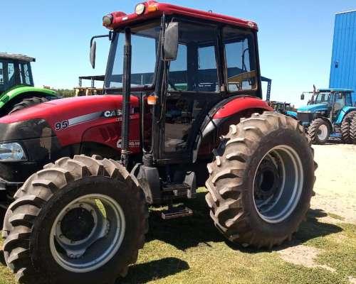 Tractor Case Farmall 95 - año 2013