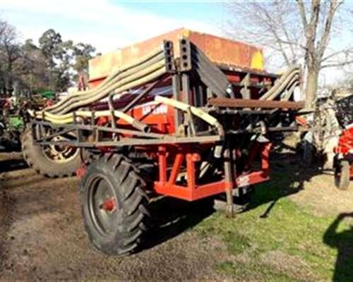 Fertilizadora Neumatica 2500 Kilos