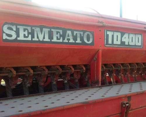 Sembradora Semeato TD 4000