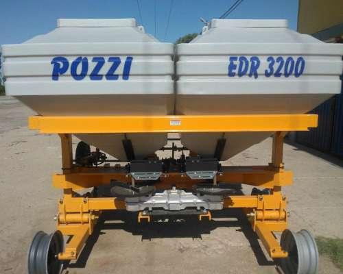 Fertilizadora EDR 3200 con Cinta Pozzi
