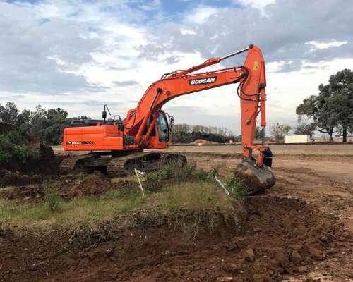Excavadora Doosan DX260 - 26tn Como Nueva