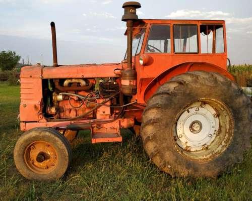 Fiat 60 con Retro Excavadora Desmontable