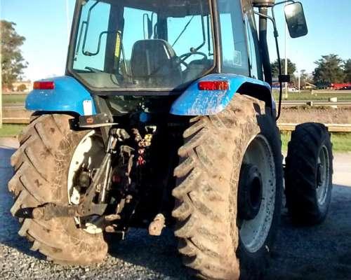 Tractor, New Holland TS 120 con Tres Puntos