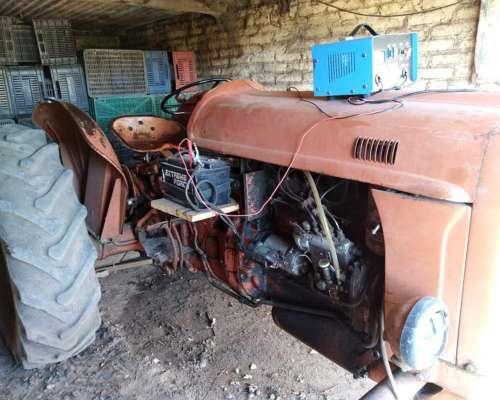 Tractor Fiat 411 con Tres Puntos