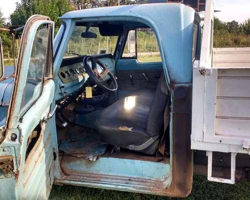 Camioneta Dodge año 75, muy Buena Mecánica.