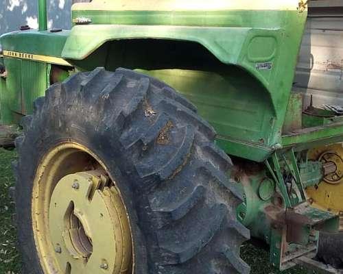 John Deere 3420 - 107 HP.