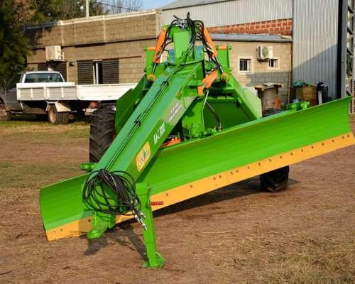 Niveladora 2 Ruedas 3.200 Kg y 4 Mts Ancho Labor