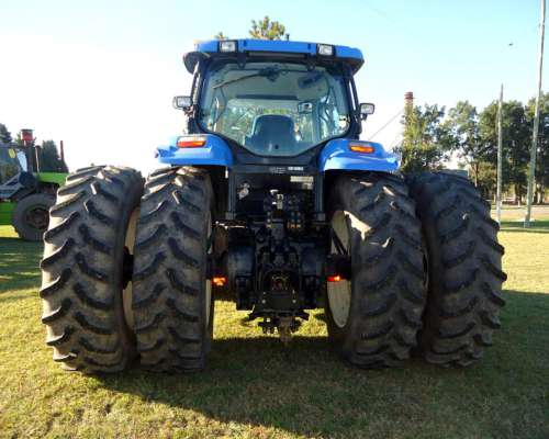 Tractor New Holland 7060 Powershift, Cabina Full. Excelente