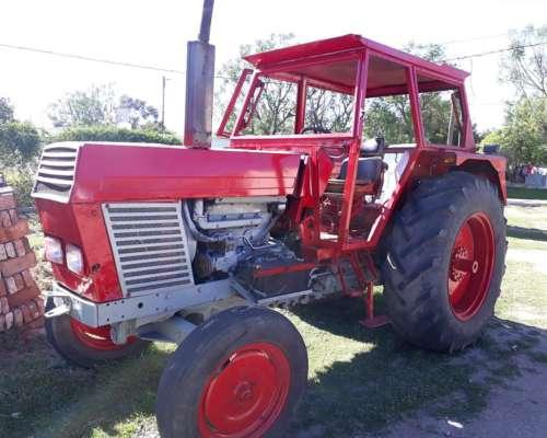 Tractor Zetor Model 8011