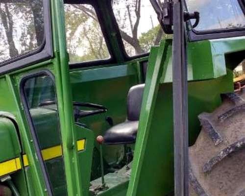 Tractor John Deere 2530 con 3 Puntos- muy Bueno
