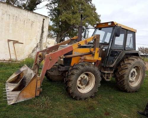 Tractor Valtra 885 4X4 Modelo 2002 con Pala