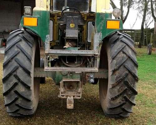 Tractor 3330 John Deere 1980