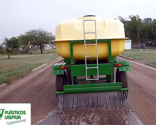 Acoplado Tanque 7.000 Lts. para Agua y Riego por Gravedad.