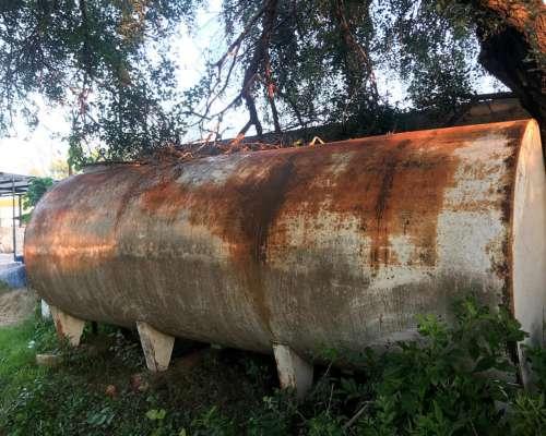 Tanque de Combustible con Surtidor