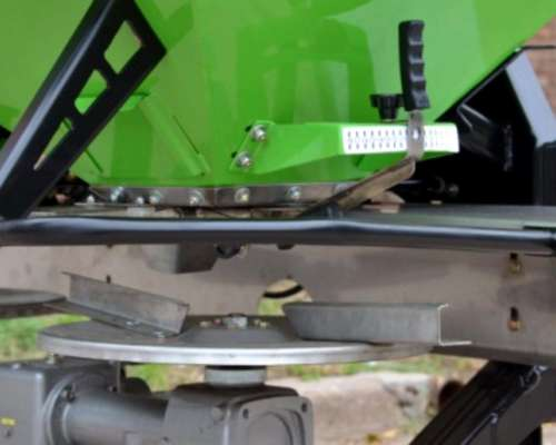 Fertilizadora Suspendida y Arrastre Bernardin Primum FS 900