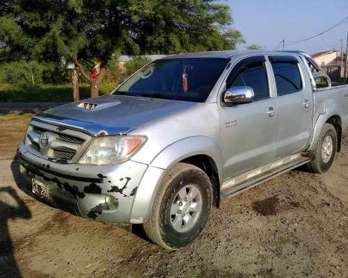 Vendo Toyota SRV Hilux