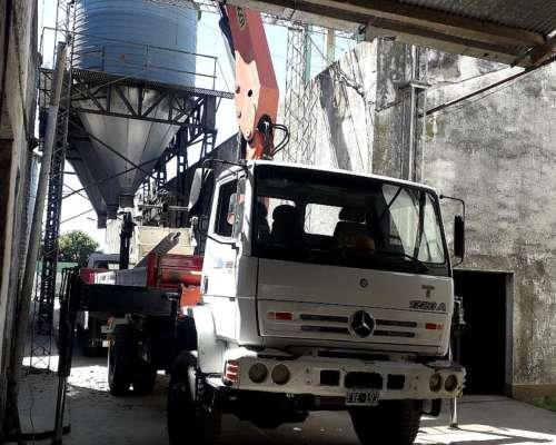 Camion Mercedes Benz 4X4 con Hidrogrua Palfinger PKK 23000