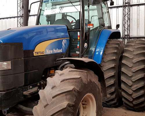 Tractor New Holland TM 7040 SPS Duales, 2012
