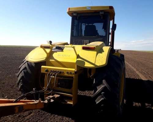 Tractor Pauny 500, Carhue, año 2010