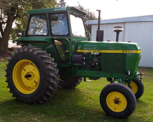 Tractor John Deere 3330
