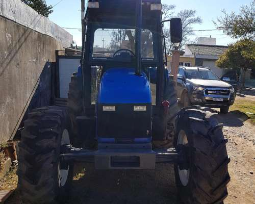Tractor New Holland TL100 año 2005 Doble Tracción