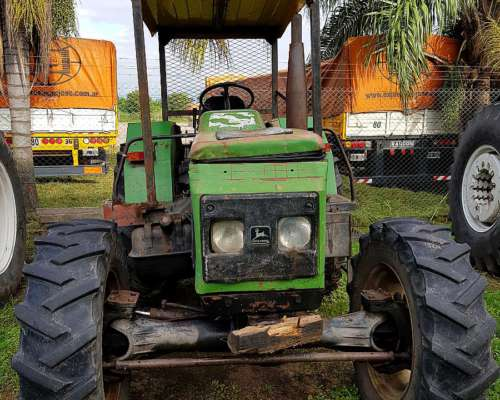 Tractor John Deere 2300 / 4X4 - 85 HP. Plan Cheque