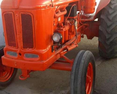 Tractor Fiat 780 con Salida Hidraulica Exepcional