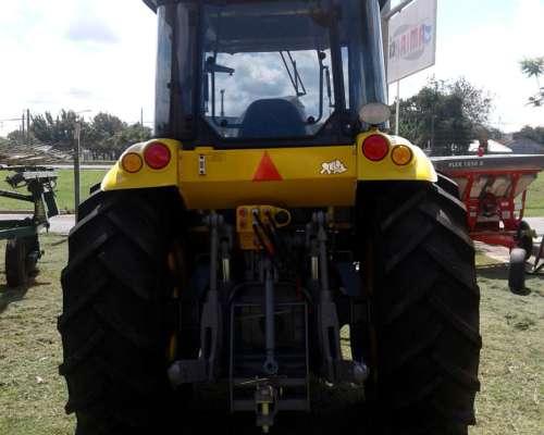 Tractor Pauny 210a de 110 HP con Pala