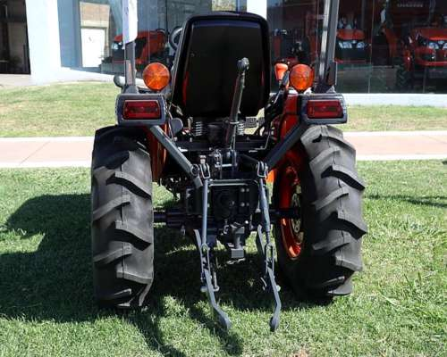 Amg Tractor 23hp 4X4 25hp Kubota B2320 Farm/turf