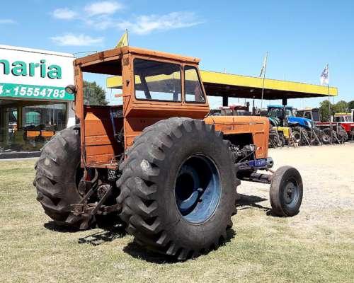 Tractor Fiat 900e con Cabina, muy Buen Estado General