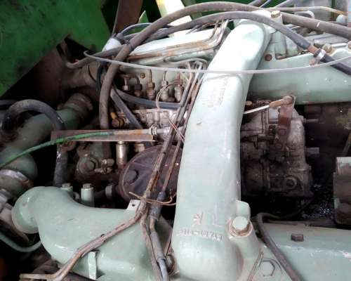 Motor Mercedes V8 muy en Buen Estado