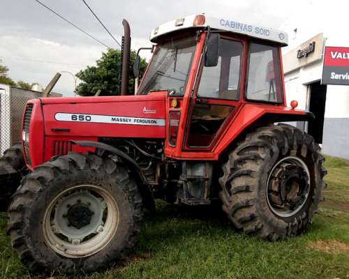 Tractor Massey Ferguson 650 con Cabina y A/A - 5500 Horas