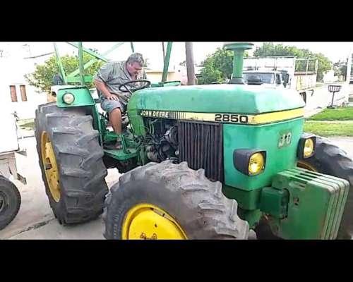Tractor John Deere 2850 4X4
