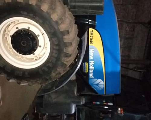 Tractor New Holland W 7040 DT.