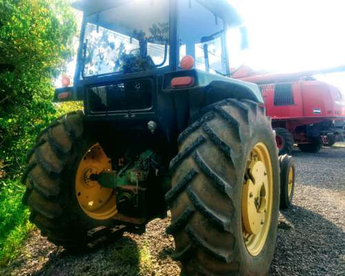 Tractor John Deere 3350 Tracción Simple