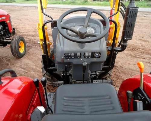 Tractor Agricola 25 HP Doble Traccion con Pala Frontal