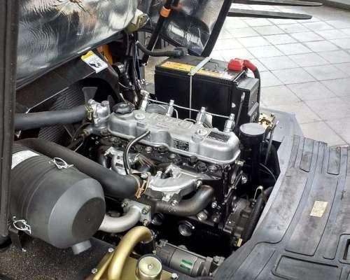 Autoelevador Vmax de 2,5 TON 4,5 Mts Motor Isuzu