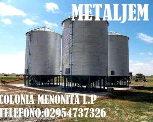 Colonia Menonita la Pampa.silos Aereos,comederos,chimangos