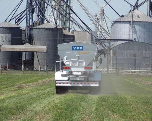 Esparcidora de Fertilizante Impala Truck 25000 Marca Yomel