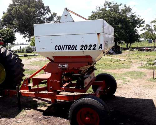 Fertilizadora Yomel Control 2022 a